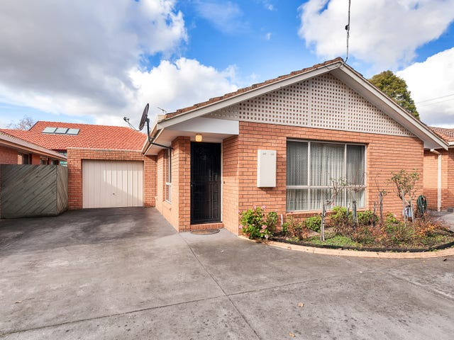2/1352 Gregory Street, Lake Wendouree, Vic 3350
