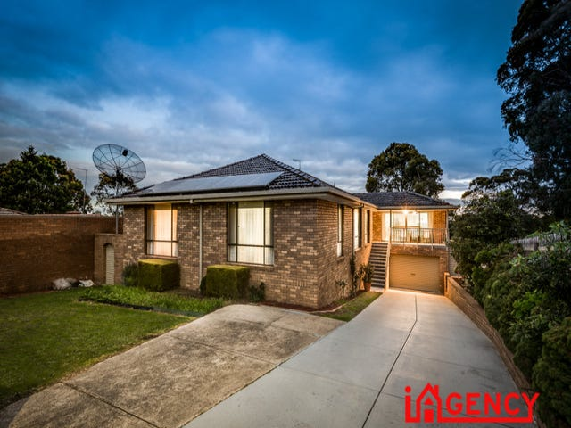 32 William Perry Close, Endeavour Hills, Vic 3802