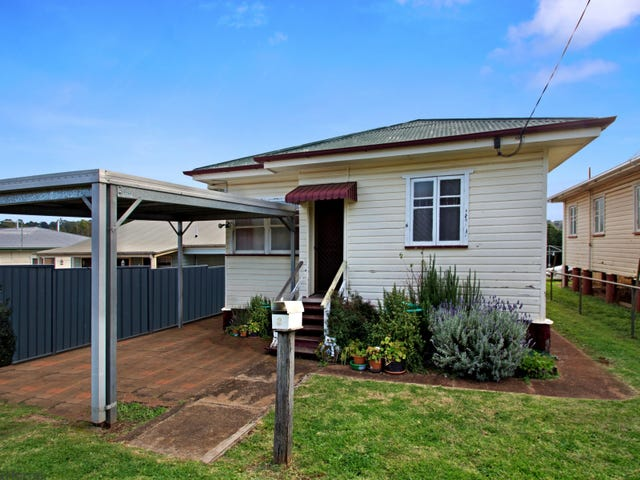 3 McWaters Street, North Toowoomba, Qld 4350