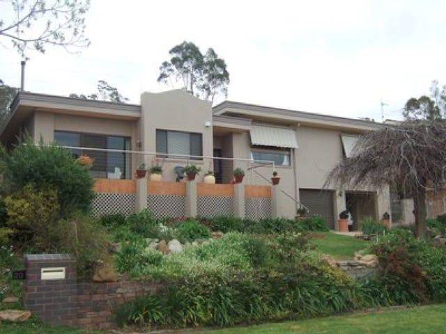 18 Andrews Avenue, Wagga Wagga, NSW 2650