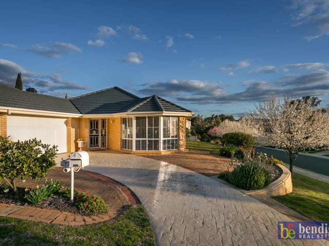 7 Essex Court, Strathdale, Vic 3550