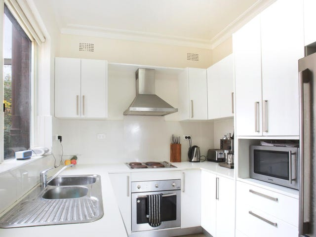 9 Lincoln Avenue, Castlecrag, NSW 2068