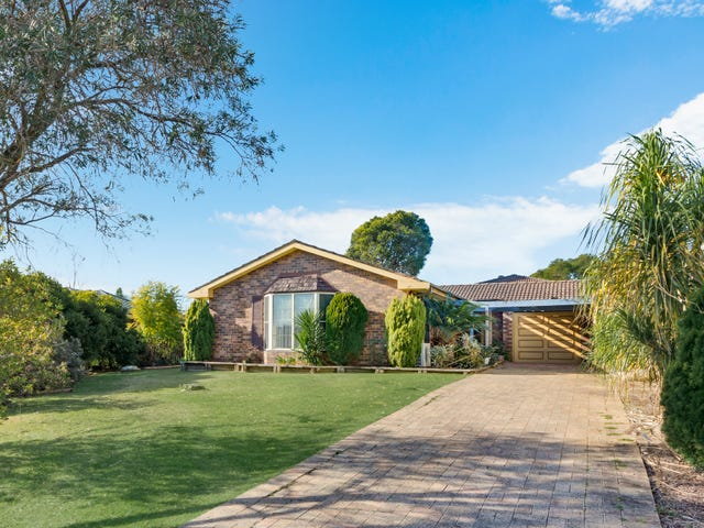 4 Hall Place, Minto, NSW 2566