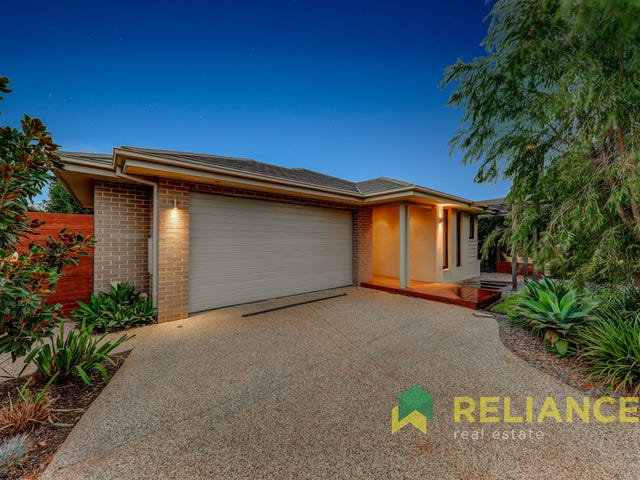 10 Ladbroke Street, Melton South, Vic 3338