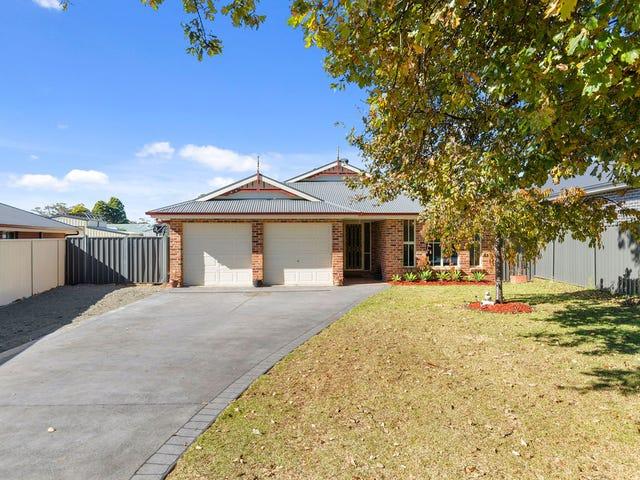 10 Ella Street, Hill Top, NSW 2575