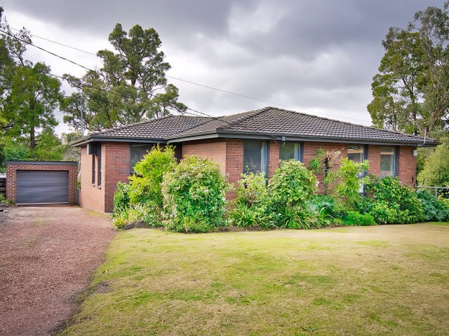 10 Ashley Grove, Mount Helen, Vic 3350