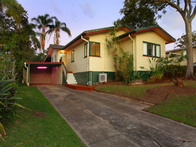 6 Joan Street, Southport, Qld 4215