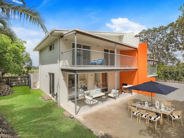 1/2 Elly Circuit, Coolum Beach, Qld 4573
