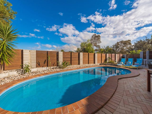 3 Daybreak Court, Castaways Beach, Qld 4567