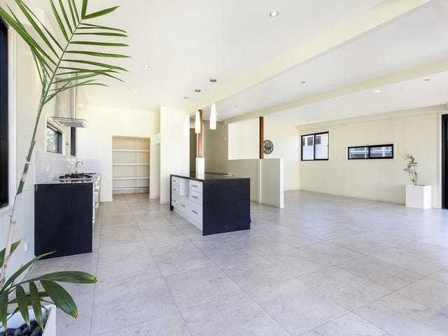 115 Bennetts Road, Norman Park, Qld 4170