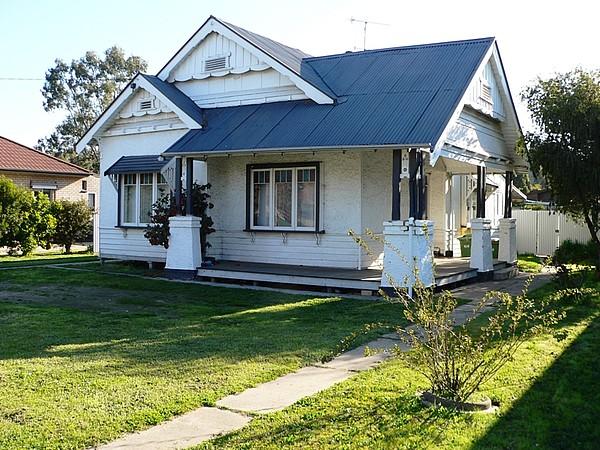 6 Riverview Road, Benalla, Vic 3672