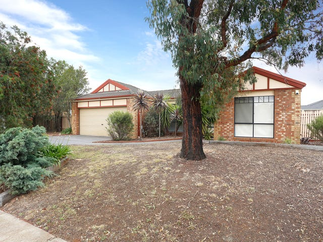 13 Gleneagles Drive, Melton West, Vic 3337