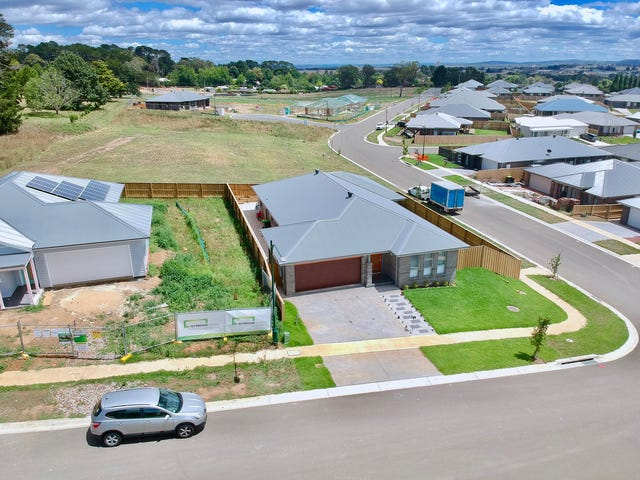 32 Darraby Drive, Moss Vale, NSW 2577