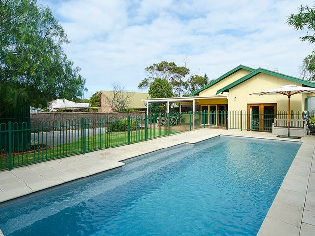 8 Renown Avenue, Victor Harbor, SA 5211