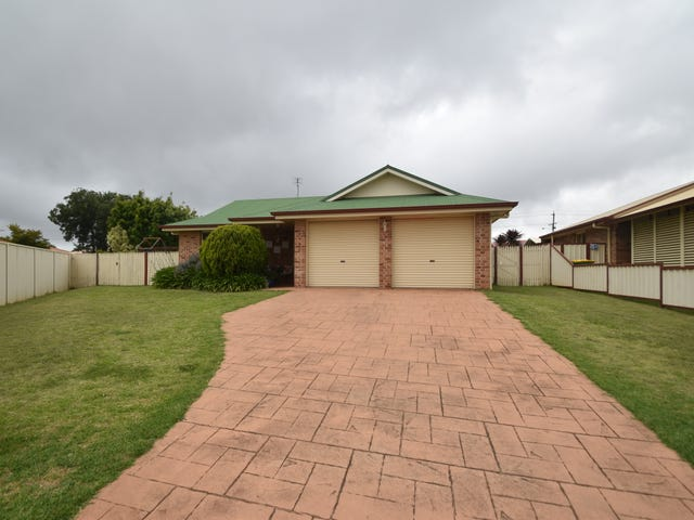 2 Buckle Court, Middle Ridge, Qld 4350