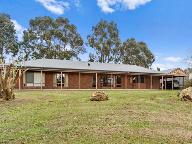 14 Fairway Drive, Drouin, Vic 3818