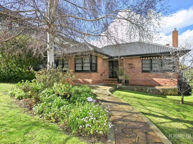 33 Pleasant Street, Newtown, Vic 3220
