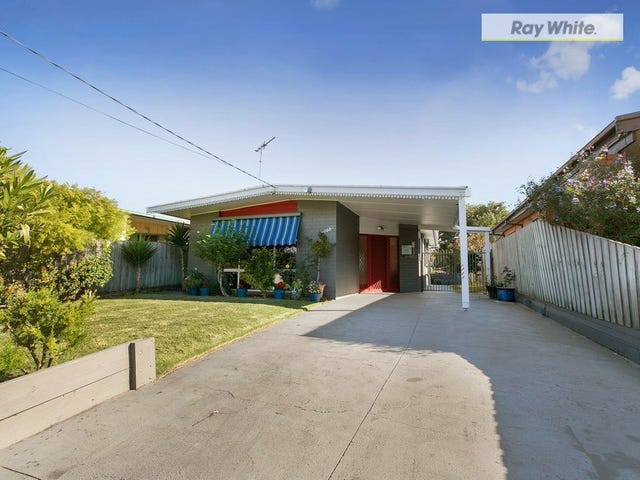 198 Ninth Avenue, Rosebud, Vic 3939