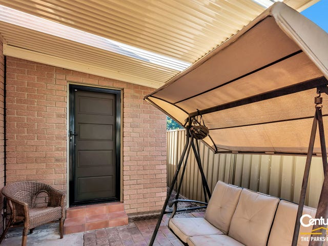 6a Clarke Close, Prairiewood, NSW 2176