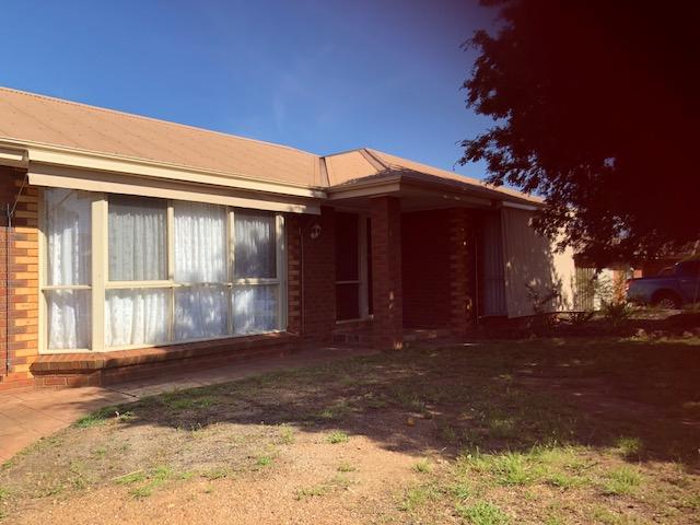 24 Morrison Drive, Bacchus Marsh, Vic 3340