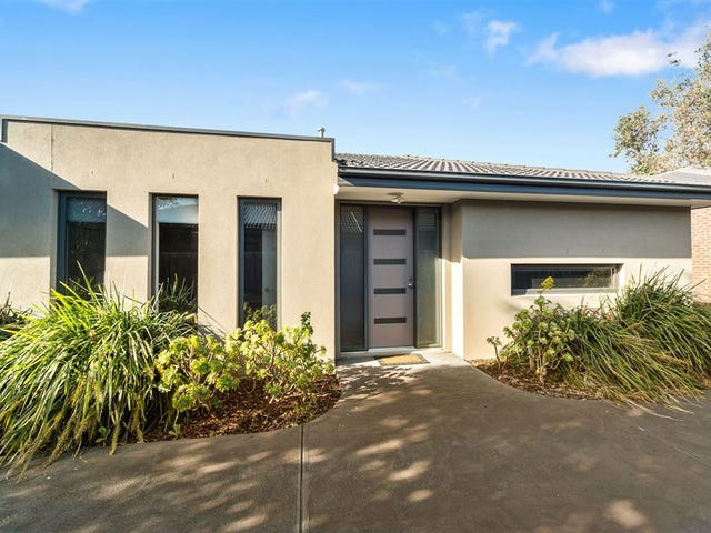 2/77 Kananook Ave, Seaford, Vic 3198