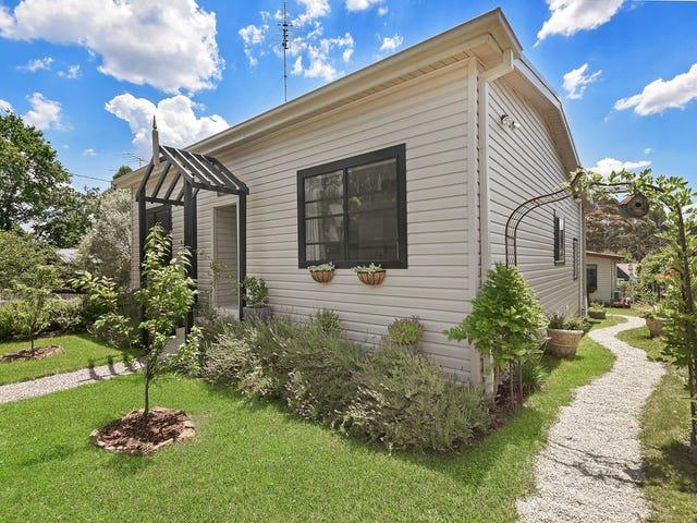 17 Neale Street, Katoomba, NSW 2780