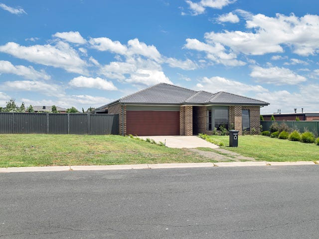 4 Windermere Way, Cardigan Village, Vic 3352