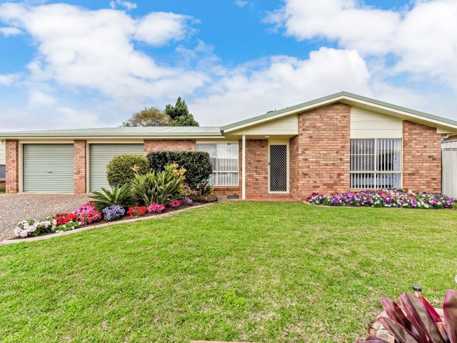 8 Donna Court, Kearneys Spring, Qld 4350