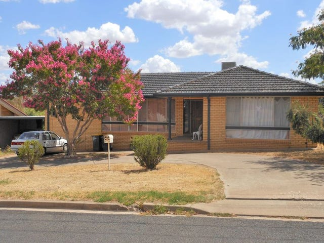70 Blackett Avenue, Young, NSW 2594