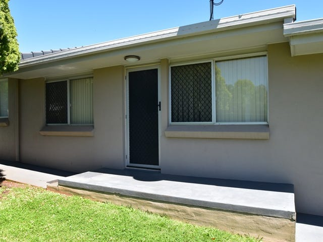 2/1 Seaton  Street, South Toowoomba, Qld 4350