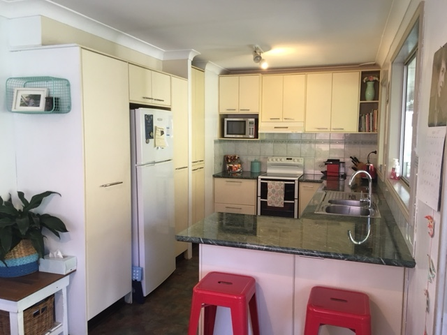 57 Stanley Avenue, Farmborough Heights, NSW 2526