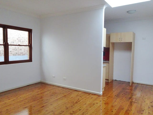 2/182 Cooper Road, Yagoona, NSW 2199