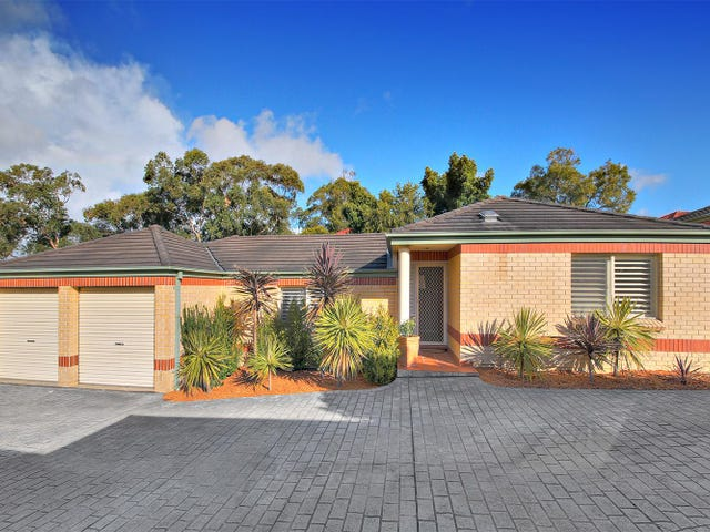 12/879 Henry Lawson Drive, Picnic Point, NSW 2213