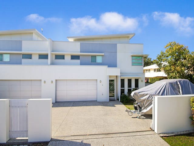 2/2 Seabreeze Avenue, Coolum Beach, Qld 4573