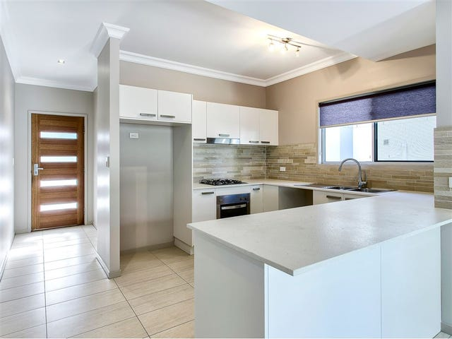 2/26 Parkham Avenue, Wavell Heights, Qld 4012