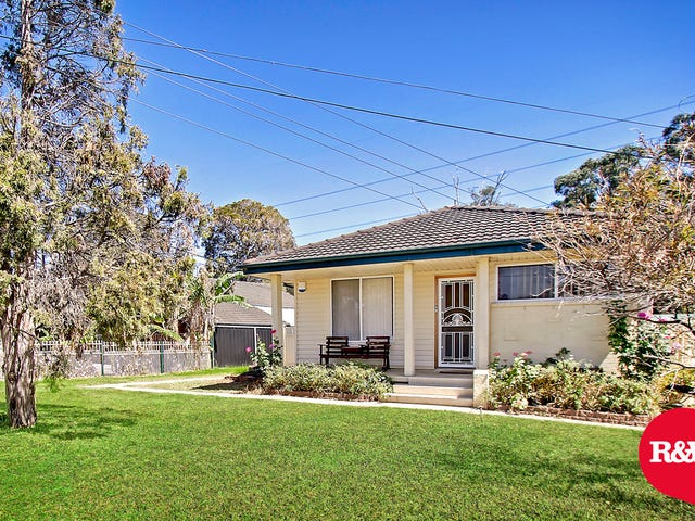 10 Lucena Crescent, Lethbridge Park, NSW 2770
