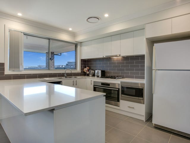 9 Treeview Place, Glenmore Park, NSW 2745