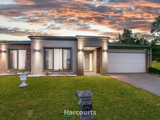 17 Aldous Place, Cranbourne North, Vic 3977