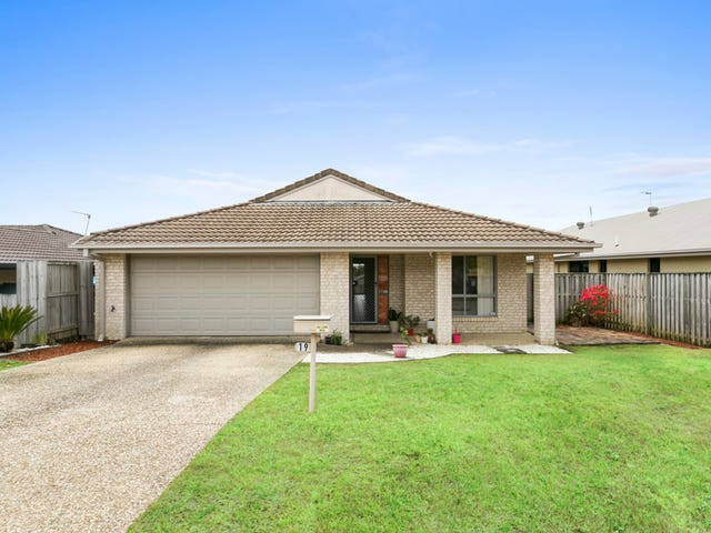 19 Tomah Street, Pacific Pines, Qld 4211