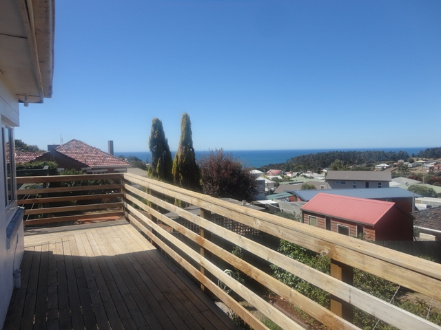 225 Mount Street, Upper Burnie, Tas 7320