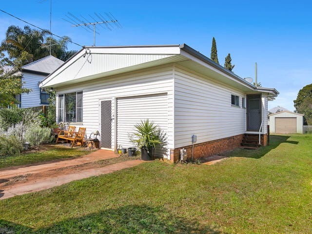8 Delacey Street, North Toowoomba, Qld 4350