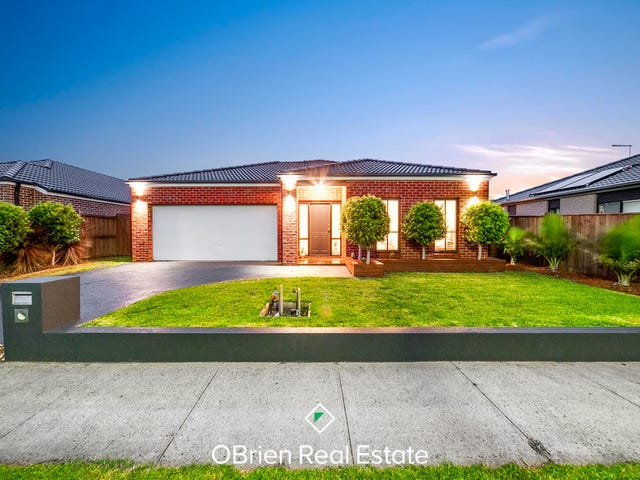 4 Sebago Terrace, Cranbourne North, Vic 3977