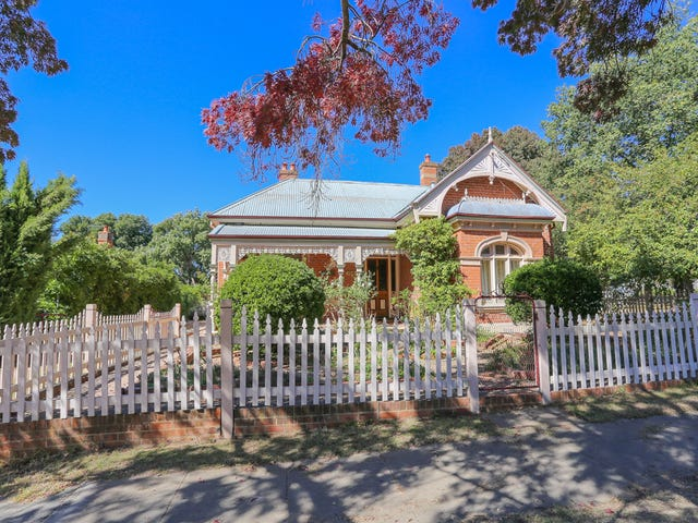 154 Peel St, Bathurst, NSW 2795