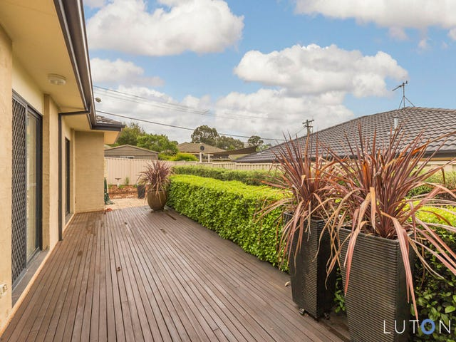 2/129 Eggleston Crescent, Chifley, ACT 2606
