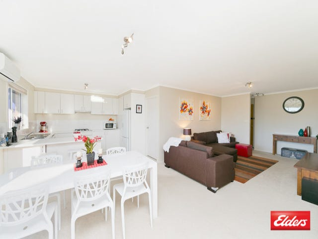 2/24 Hugh McKay Crescent, Dunlop, ACT 2615