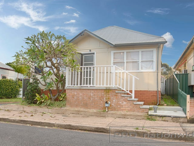 8 Radford street, Horseshoe Bend, NSW 2320