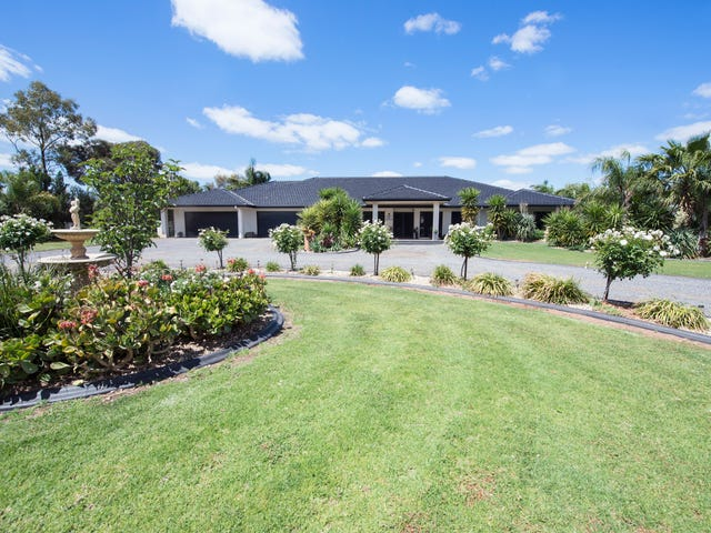 3 River Oaks Drive, Swan Hill, Vic 3585