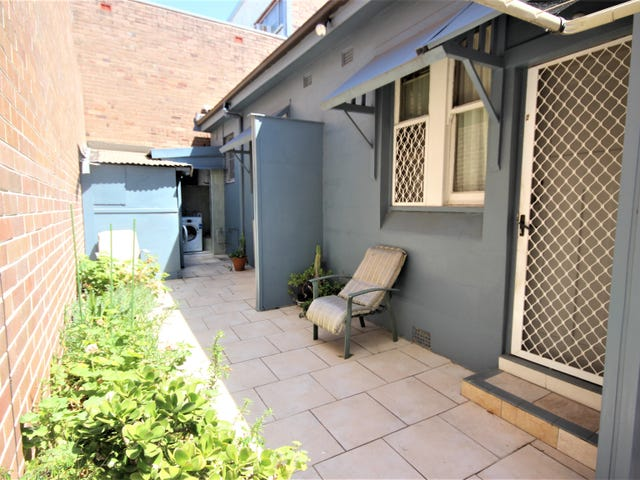 2/12 Collins Street, Beaconsfield, NSW 2015