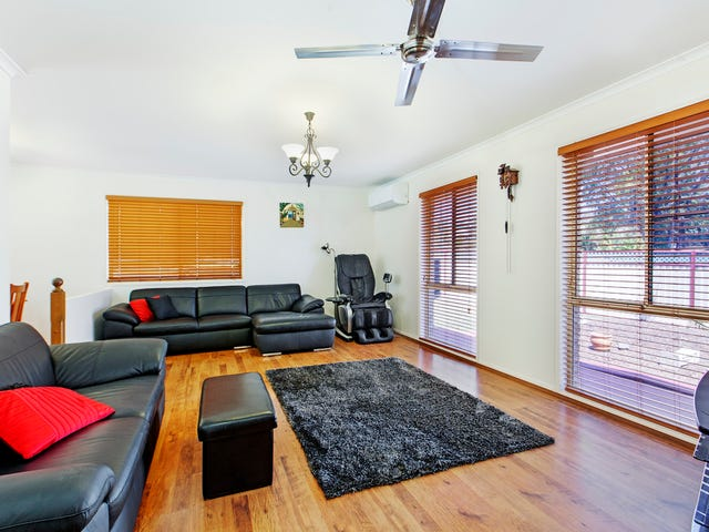 15 Bellevue Drive, Little Mountain, Qld 4551