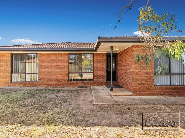 4 Coralee Place, Golden Square, Vic 3555